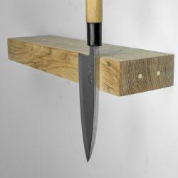 Clean Cut  hylde i eg med magnetisk kant til knive fra Rune Jakobsen. Flere størrelser